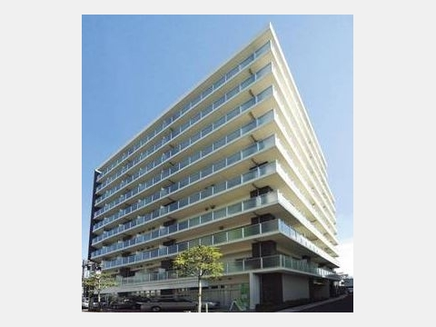 所在地 東京都大田区大森東1-7-27交通 京急本線/平和島 徒歩3分総戸数 80戸/階建 10階建-